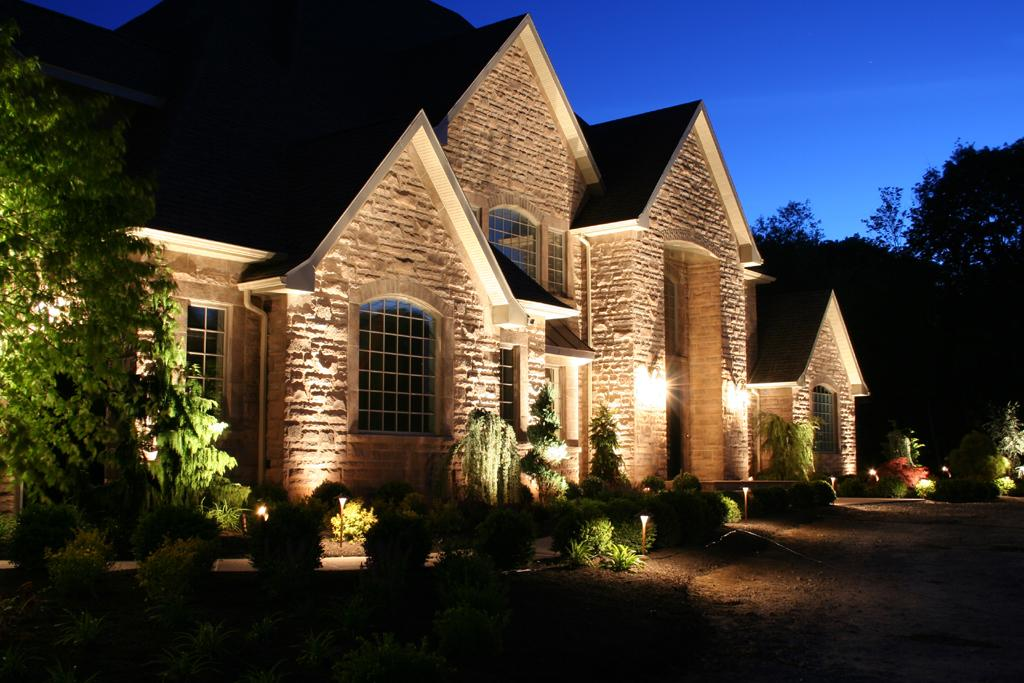landscape-lighting-installation
